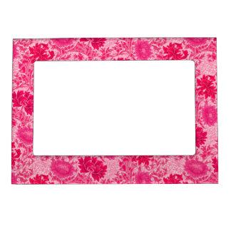 William Morris Chrysanthemums, Fuchsia Pink Magnetic Frame