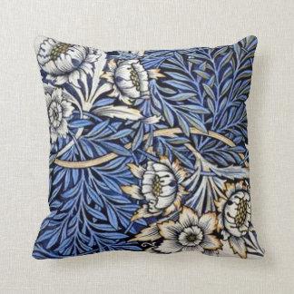 """William Morris """"Tulip & Willow""""  - Pillow"""