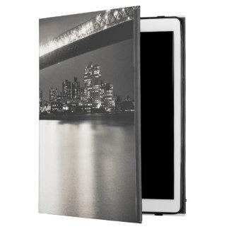 Williamsburg bridge in New York City at night iPad Pro Case