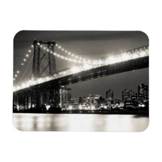 Williamsburg bridge in New York City at night Magnet