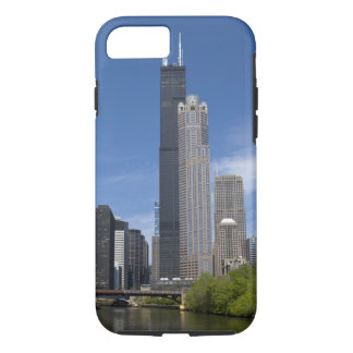 Willis Tower (previously the Sears Tower) looms iPhone 8/7 Case