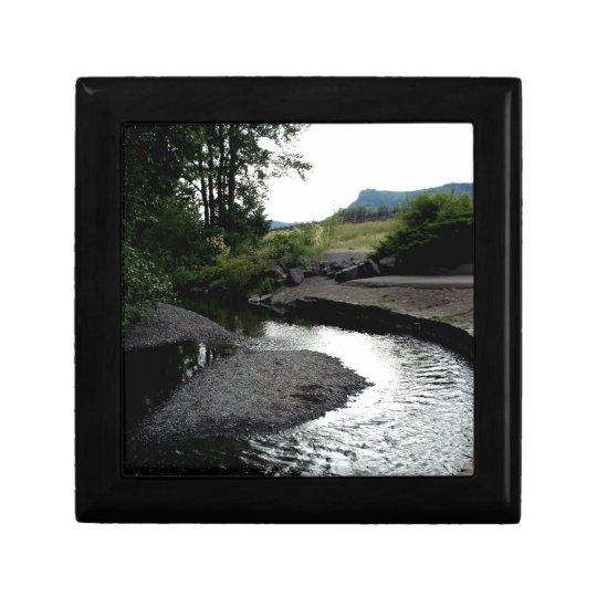 Winding Creek I Gift Box