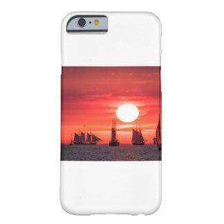 Windjammer en luz de la puesta del sol en el mar funda barely there iPhone 6