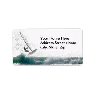 Windsurfer dejado etiquetas de dirección