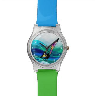 Windsurfer del tecnicolor en un tifón relojes de pulsera