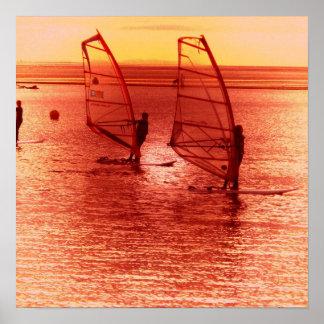 Windsurfers en el poster del horizonte