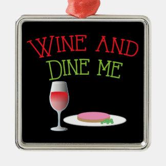 Wine y céneme con la cena y la copa de vino adorno cuadrado plateado