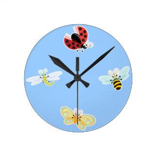 Wing-Nutz™_Fluttering Buddies__ sweet  & fun time Round Clock