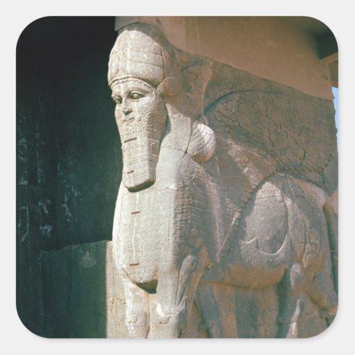 Winged humano-dirigió el toro, período Neo-Asirio Calcomania Cuadrada Personalizada