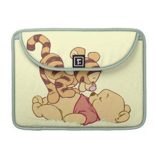 Winnie the Pooh joven Fundas Para Macbooks