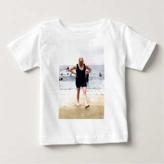 Winston Churchill en la playa Playera De Bebé