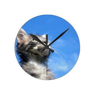 Winston el gato del aviador del Tabby Reloj Redondo Mediano