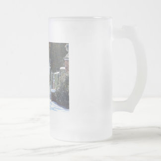 Winter At The Palace - Colonial Williamburg Frosted Glass Beer Mug