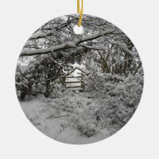Winter Snow 00 Ceramic Ornament