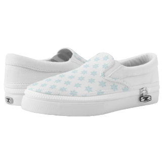Winter Snowflakes Pattern Blue Holiday Design Slip-On Sneakers