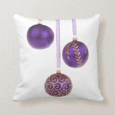 Christmas Themed Winterberry Amethyst Purple Lavender Christmas Throw Pillow