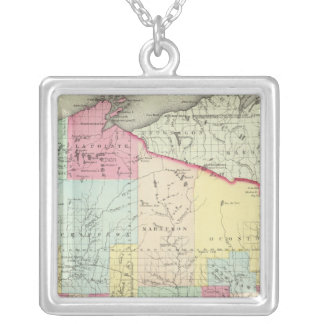 Wisconsin 8 silver plated necklace