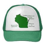 Wisconsinite defiende fútbol, el queso y la cervez gorros