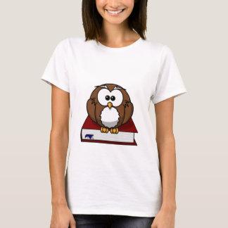 Wise Owl on Book, teacher, wisdom, knowledge study T-Shirt