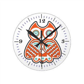 Wise owl round clock