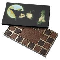 Witchy Woman Mona Lisa Halloween 45 Piece Assorted Chocolate Box