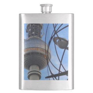 "WITH detalle of World "" Berlín TV Tower ""Programa  Petaca"