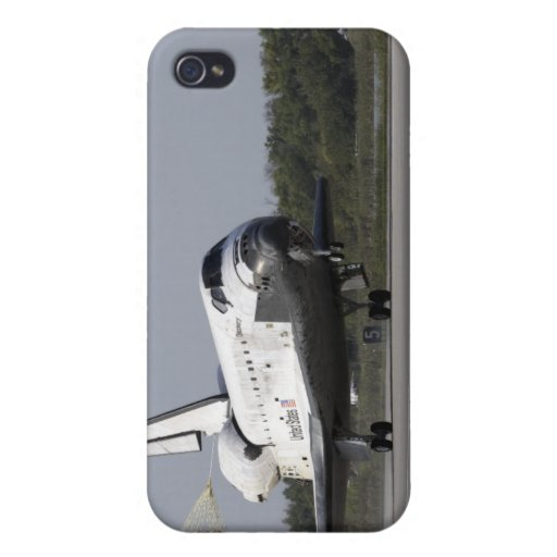 With drag chute unfurled cases for iPhone 4