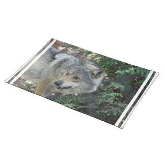 wolf-42 cloth place mat