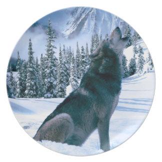 Wolf Call Dinner Plate