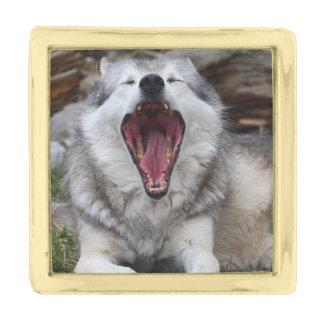 wolf gold finish lapel pin