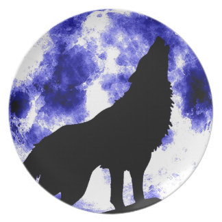 Wolf Howling at Moon Plate