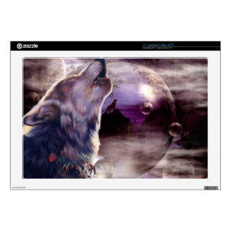 "Wolf Howling at The Moon 17"" Laptop Skin"