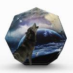 Wolf howling at the moon acrylic award