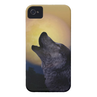 Wolf howling at the moon iPhone 4 cover