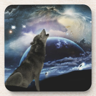 Wolf howling at the moon drink coaster