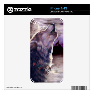 Wolf Howling at The Moon iPhone 4 Decal