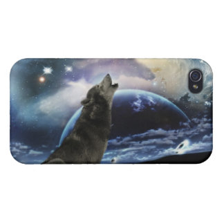 Wolf howling at the moon covers for iPhone 4