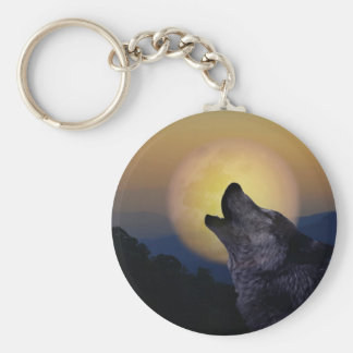 Wolf howling at the moon keychain