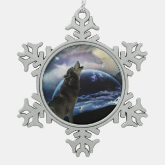Wolf howling at the moon snowflake pewter christmas ornament