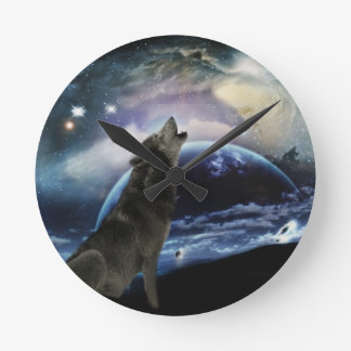 Wolf howling at the moon round clock
