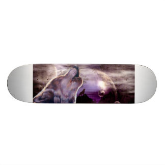 Wolf Howling at The Moon Skateboard