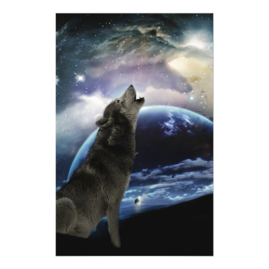 Wolf howling at the moon stationery