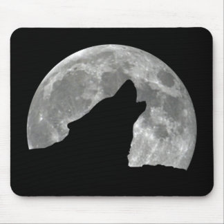 wolf howling mouse pad