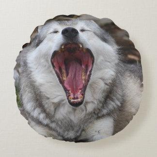 wolf round pillow
