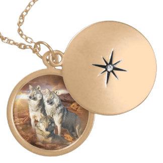 Wolf trio Necklace