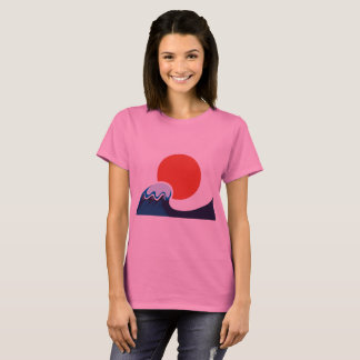 Woman designers t-shirt pink with Ocean wave