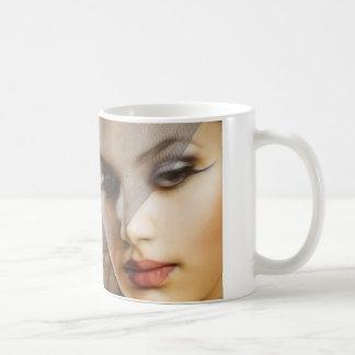 WOMAN IN BEAUTY COFFEE MUG
