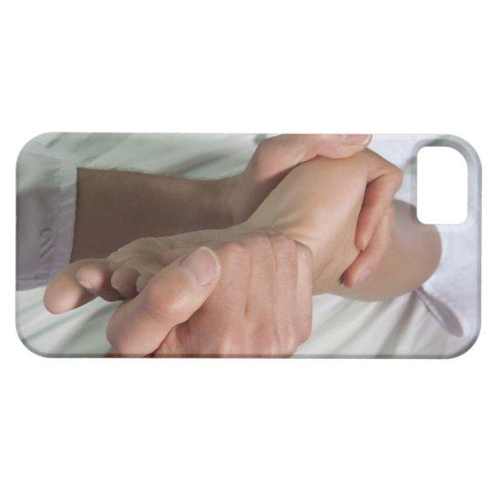 Woman receiving foot massage 2 iPhone SE/5/5s case