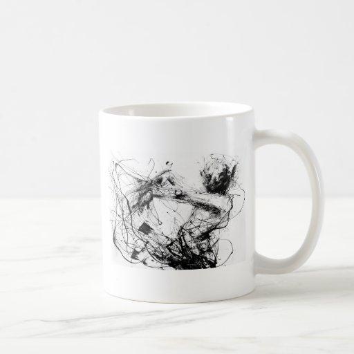 women expresión taza de café