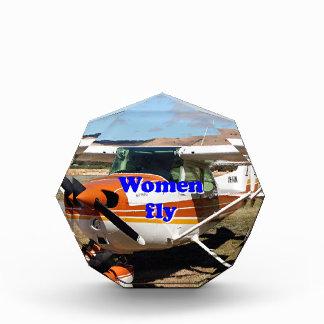 Women fly: high wing aircraft award